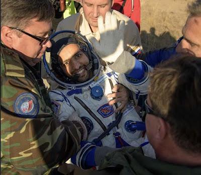 رواد الفضاء, المشي على الفضاء, هزاع المنصورى, عودة هزاع المنصورى, رحلة الـ 5 ساعات من الفضاء للأرض,