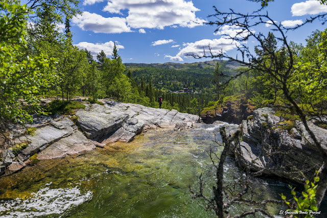 Ruta Brudesloret, descenso a Otta, en Rodane - Noruega, por El Guisante Verde Project
