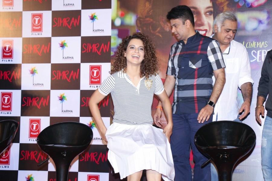 Kangna Ranaut and Esha Tewari Pande at Simran Trailer Launch