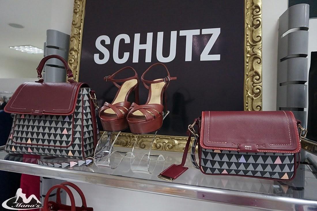 3b2cc5781 Visite a Mana's e confira a nova coleção Schutz em Calçados, Sandálias,  Scarpins, Bolsas e muito mais.