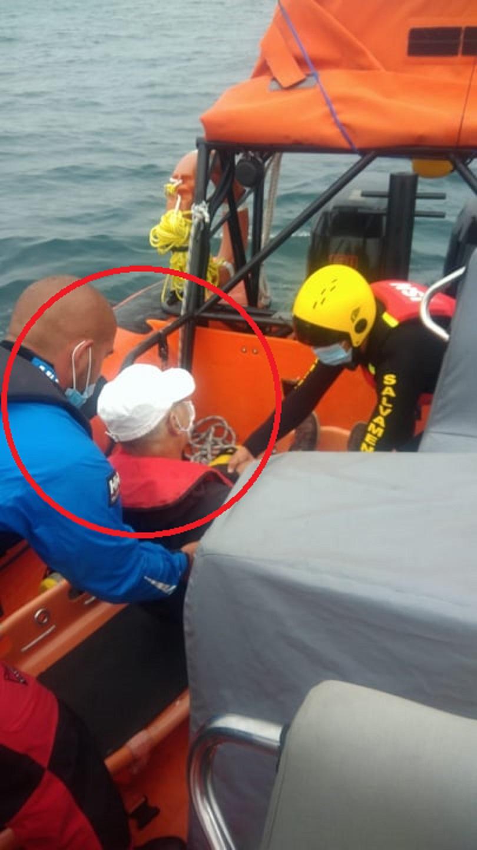 Autoridade Marítima de Cascais resgata com sucesso passageiro com suspeita de AVC em embarcação turística