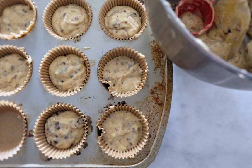 measured batter into paper cups in muffin tin
