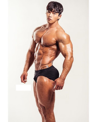 Hot Korean Muscle Hunk Ahn Young Jin