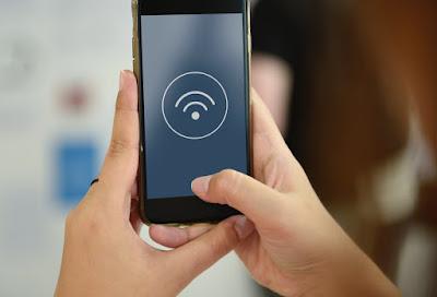 كيفية البقاء آمنا على شبكة Wi-Fi في الأماكن العامة