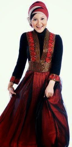 Contoh model baju muslim untuk pesta tren timur tengah