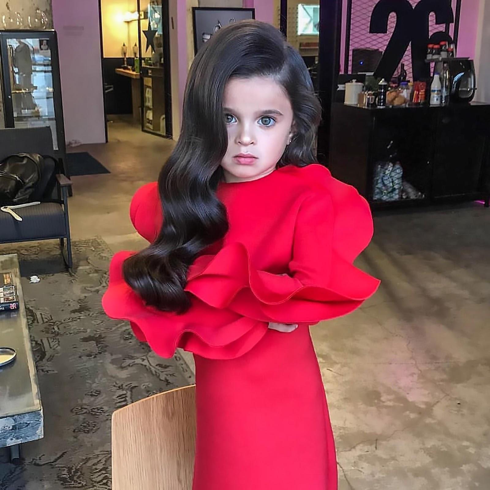 Images for Girls Girls red dress ,صور للفتيات فستان أحمر,Girls, fotos, Foto, Foto Girls, صور, صور بنات,Images