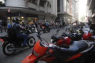 Valor do seguro para carros fica em R$ 5,21 e, para motos, em R$ 12,25
