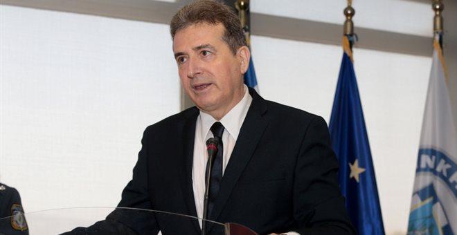 Την «πόρτα εξόδου» στην ηγεσία της ΕΛΑΣ έδειξε ο Μιχάλης Χρυσοχοΐδης