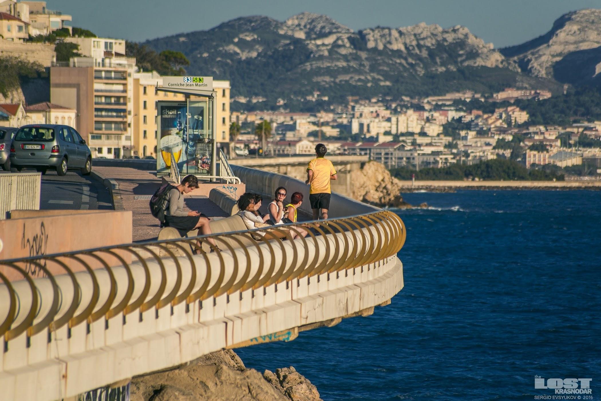 Прогулка у моря во Франции