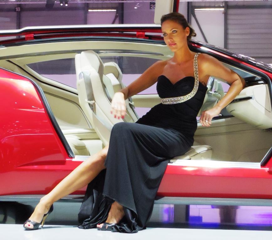 Salon de gen ve 2013 les h tesses 1 re partie for Hotesse dans les salons