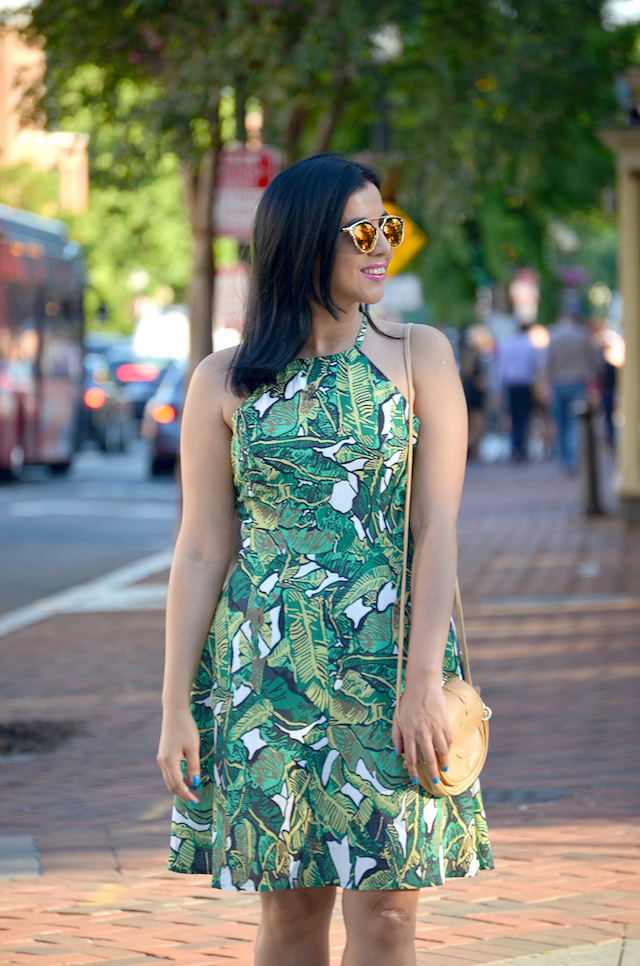 How to wear a print dress: Wearing: Dress/Vestido: SheIn Bag/Bolso: NewDress Wedges/Plataformas: The Blossom Collection-Mari Estilo- SheInside-ArmandHugon