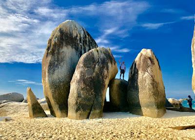Eksotis Pulau Lengkuas Di Bangka Belitung