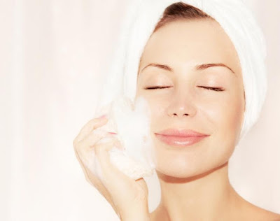 ادوات غسل الوجه تؤثر في تهيج البشرة