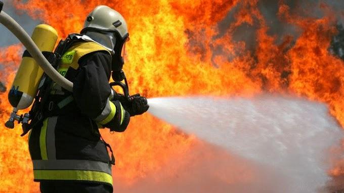 Riasztották a berettyóújfalui és a hajdúszoboszlói tűzoltókat: kigyulladt egy fatároló Váncsodon