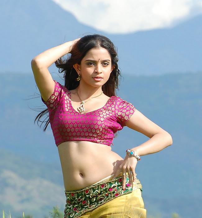 [Image: Bindaas-Actress-sheena-Hot-Navel-Show.007.jpg]