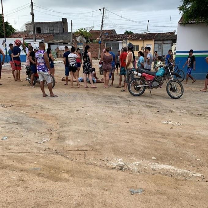 Jovem é assassinado a tiros na Cohab, em Santa Cruz do Capibaribe
