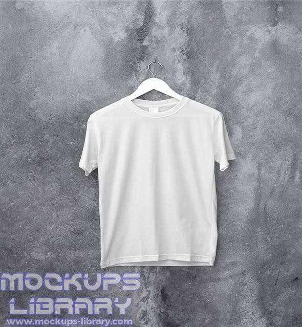 hanging t shirt mockup 2