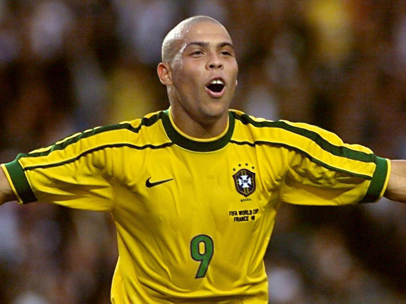 ec9eabeef Ronaldo Luiz Nazario de Lima. BRAZILIAN ATHLETE