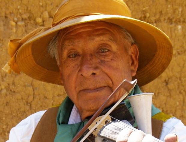 Zenobio Dagha: compositor, violinista y músico por naturaleza