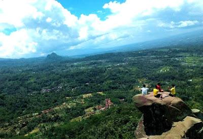 Pesona Puncak (Bukit di Atas Awan) J88 Jelbuk Jember Jawa Timur