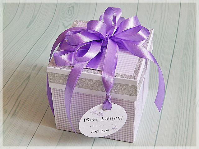 Brokatowy box osiemnastkowy