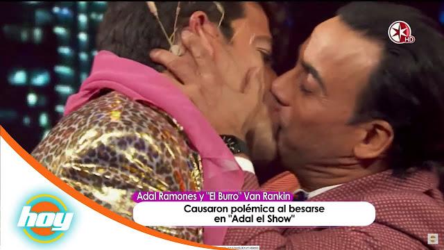 Beso entre Adal Ramones y El Burro