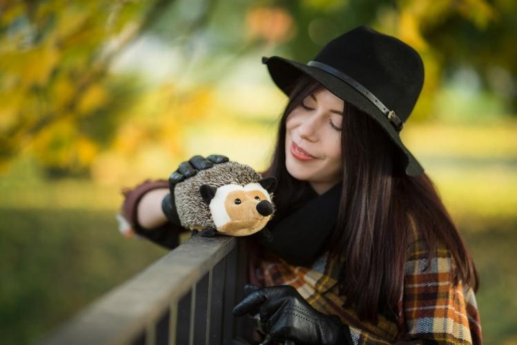 jesienny portret w kapeluszu