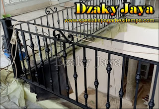 railing-balkon-besi-tempa-balkon-klasik-13
