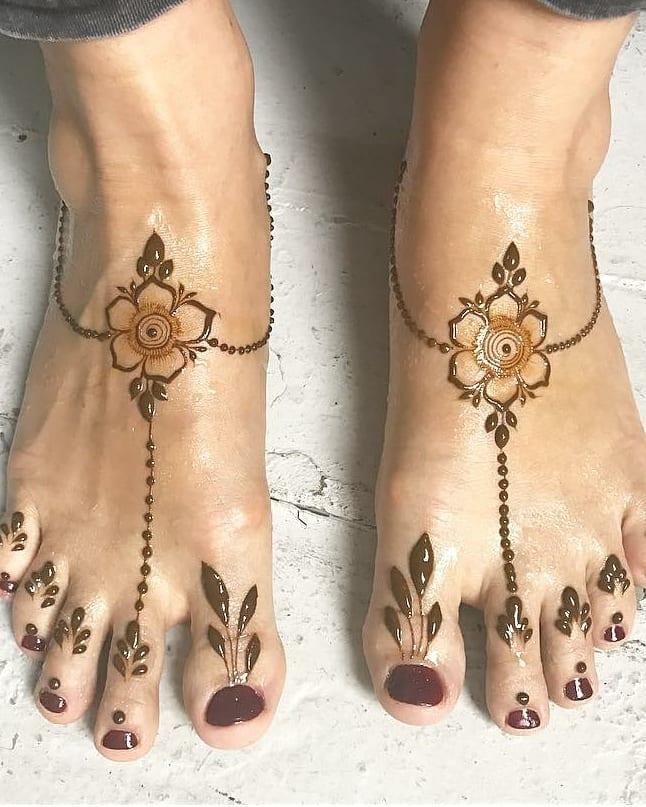Simple Feet Mehndi Designs