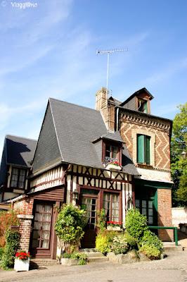 Edifici tipici del borgo di Jumieges