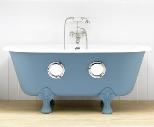 bathtub with portholes