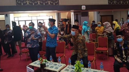 Gubernur Irwan Prayitno Terharu, Kafilah Sumbar Cabang Fahmil Qur'an Raih Mendali Emas