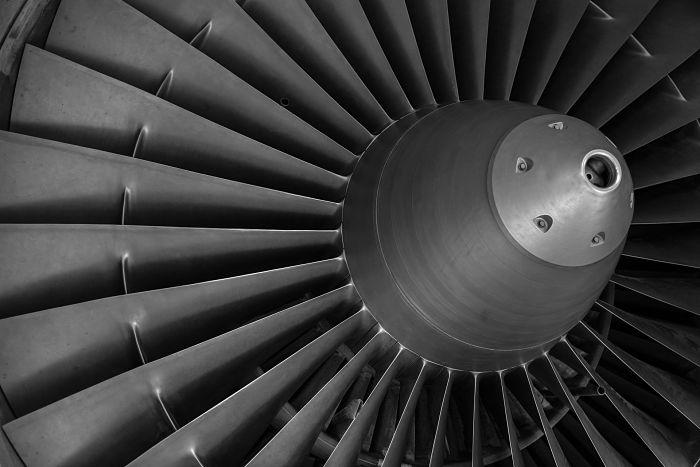Turbina a vapor que utiliza los principios básicos de la termodinámica