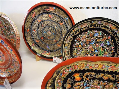Pátzcuaro Lacquerware, you can buy it at the House of the Eleven Patios