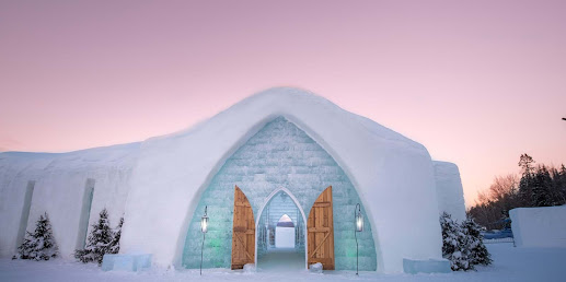 The thrill of staying at a hotel made of Es de Glace