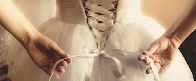 Sologamy: Η νέα τάση θέλει τις γυναίκες να παντρεύονται τους εαυτούς τους