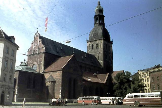 21 августа 1971 года. Рига. Площадь 17 июня. Концертный зал органной музыки в Домском соборе (соборе Святой Марии)