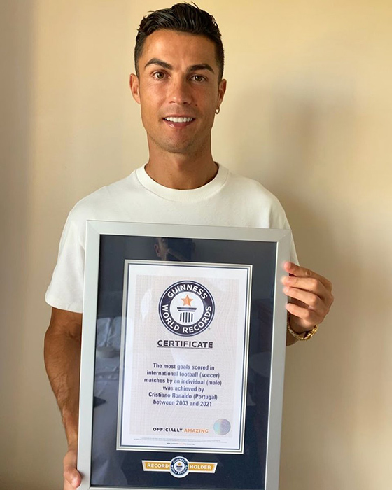 Ronaldo receives Guinness World Record certificate