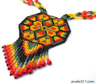 необычные украшения на шею купить самые красивые колье из бисера и бусин