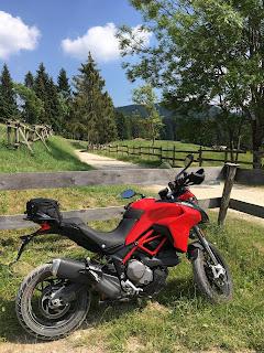itinerari in moto in veneto ducati multistrada 950s