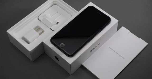 iPhoneSE2020と付属品
