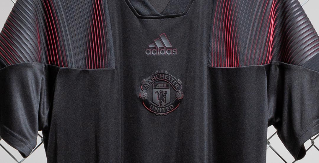 wholesale dealer bee13 427f2 Amazing Blackout Manchester United 18-19 Tango Jersey ...