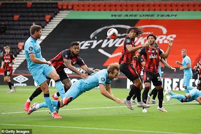 Premier League nhận SAI khi M.U được hưởng phạt đền 3