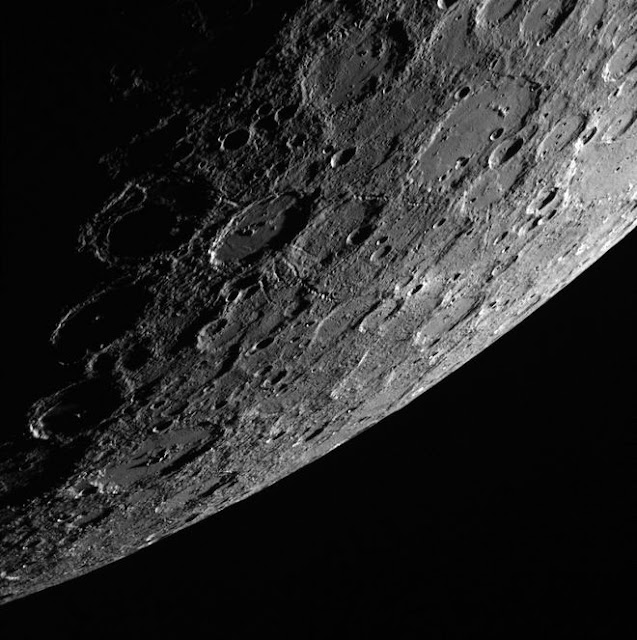 Mercúrio fotografado pela MESSENGER