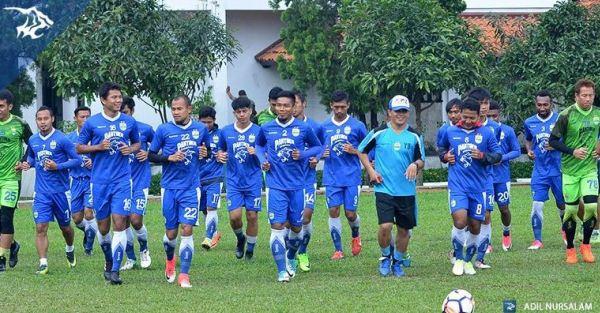 Daftar Pemain Persib Bandung di Sesi Latihan, Michael Essien Absen