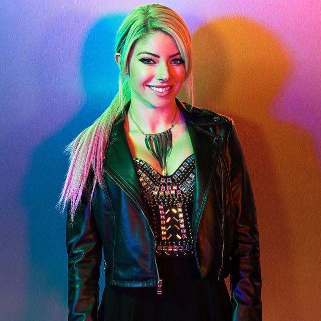 Alexa Bliss Hot & Sexy Pics