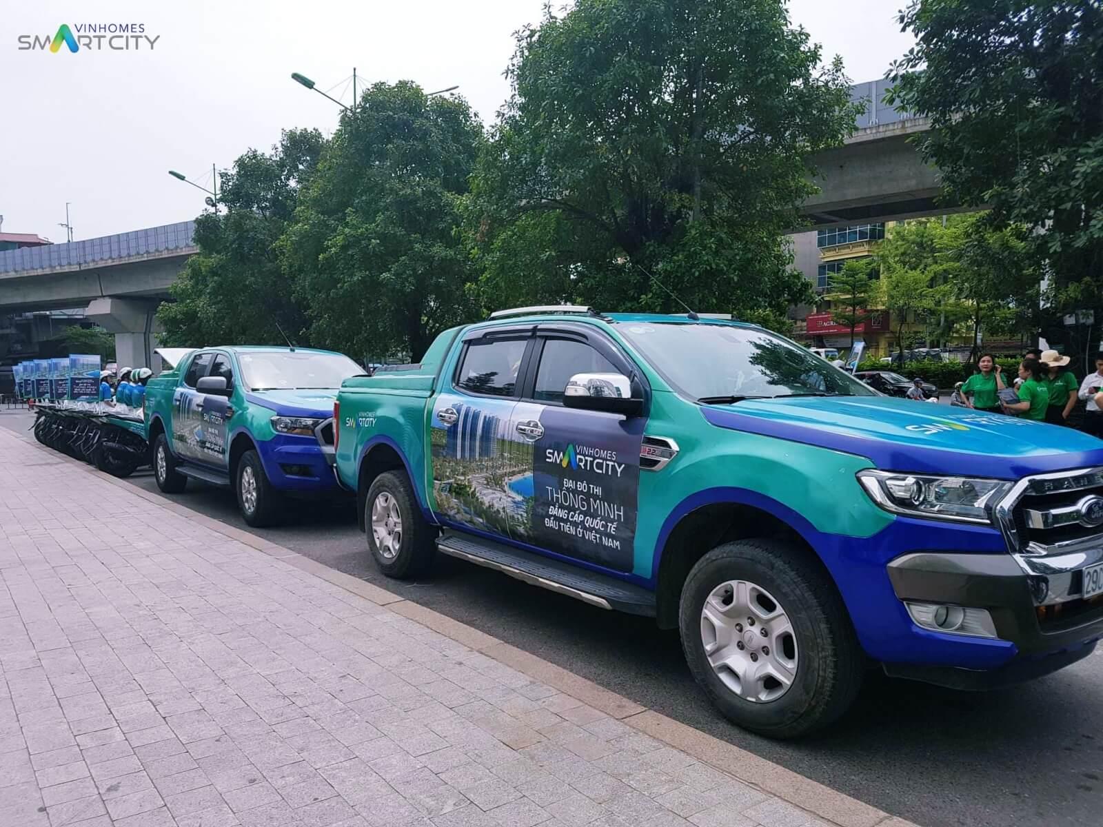 Dàn xe tham gia roadshow Vinhomes Smart City