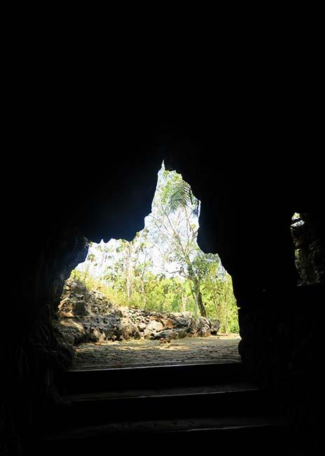 Pintu Keluar Goa Tembus