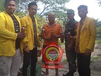 Kades Aek Loba Apresiasi Pengolahan Pupuk dari Bonggol Pisang oleh Mahasiswa KKN UNA