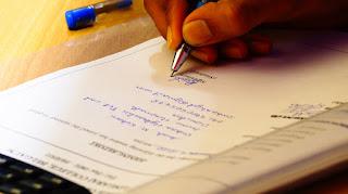 一般民眾攜涉及私權事實之公文書(如良民證、戶籍謄本、出生證明、死亡證明、學歷證明、結婚證明、離婚證明、公司變更登記事項表等)往境外使用前,外國因無法確認是否確為我國官方所核發,常要求民眾應先到公證人處辦理認證,以求確認其真實性